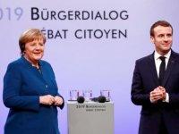 Euro 20 yaşında, ağır hasta AB hangi yönde ilerleyecek?