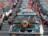 Almanya'da Türk düğün konvoyu otobanı kitledi: Polis zanlıları arıyor