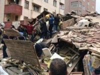 7 katlı binanın çökme anı(video)