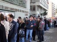 'Türkiye'de Her dört gençten biri işsiz, gençlerin yarısı kayıt dışı çalışıyor'