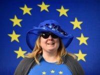 40 diplomat İngiltere Başbakanı May'e çağrıda bulundu: Ya Brexit'i geciktir, ya da ikinci referanduma git