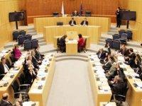 Kürtlerden Öcalan'ın tutukluluğunun 20'nci yılı nedeniyle Rum Meclisi'ne yürüyüş