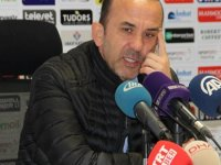 Muhabir, Erzurumspor Teknik Direktörü Özdilek'i düzeltti: Hocam kaybetmediniz, kazandınız(video)