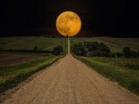 Ay, Dünya'ya en parlak yüzünü gösterecek