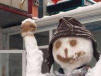Zafer işareti yapan kardan adam; Terör simgesi sayıldı