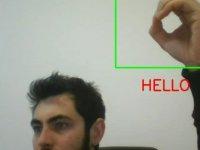 Yakın Doğu Üniversitesi Mühendisleri İşaret Dilini Yazıya Çeviren Yazılım Geliştirdiler…
