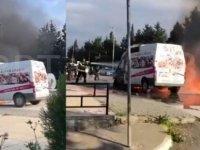 Girne'de seyir halindeki araç yandı