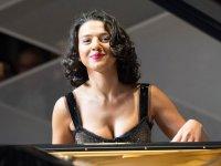 Seksi müziği klasik müziğe sokan üst düzey piyanistle tanışın