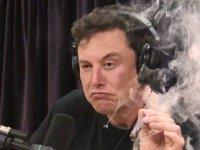 Elon Musk, 'Mars'a nükleer bomba atma' fikrinden döndü