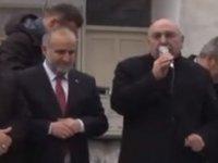 AKP milletvekili Ezan okunurken  konuşmasına devam etti