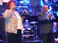 Selda Bağcan'dan DAÜ'de görkemli konser