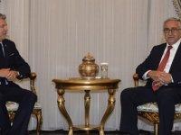 Akıncı Peace And Sport Organizasyonu Başkanı Joël Bouzou ile görüştü