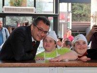Başbakan Erhürman, Dünya Down Sendromu Farkındalık Günü'nde özel gençlerimizle buluştu