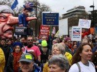 Yeni bir Brexit referandumu isteyen binlerce kişi Londra'da sokağa çıktı: 'Artık yeter'