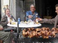 Kıbrıslı yetişkinler yılda ortalama 39,8 kg kebap yiyorlar