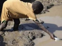 Kirli su, savaş ve çatışmadan daha fazla çocuğun canına mal oluyor