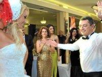 """Başbakan Erhürman'ın eşi Nilden Bektaş'tan """"dans eleştirilerine"""" tepki"""