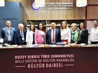 Kültür Bakanı Özyiğit İzmir kitap fuarında