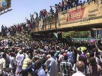 Sudan'da istihbarat başkanı istifa etti