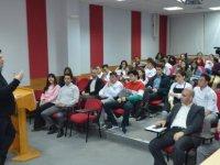Dünyaca Ünlü Şef Claudio Chinali DAÜ'lü öğrencilerle buluştu