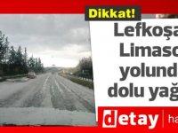 Lefkoşa-Limasol yolunda dolu yağdı, trafik kazası oldu