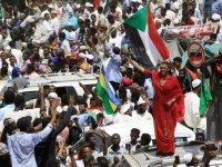 Sudan'da protestocular Askeri Geçiş Konseyi ile diyaloğu kesti