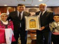 Güngördü, İzmir Kaşıyaka Belediye Başkanı Tugay'ı ziyaret etti