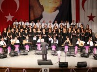 """""""Sadettin Kaynak"""" anısına Mağusa'da Kardeş Korolar konseri gerçekleşti"""
