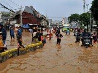 Endonezya'nın hızla suya batan başkenti taşınıyor