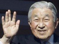 İmparator Akihito tahttan feragat ediyor