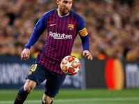 Lionel Messi kariyerinin 700. golünü Atletico Madrid'e attı