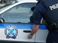 Gençler Paketçinin Motosikletini Çaldı… Büfeye Bombalı Saldırı