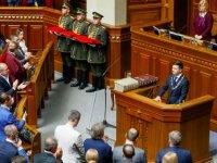 Ukrayna'nın yeni devlet başkanı parlamentoyu feshetti