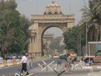 İran'a saldırı için yeni hamleler: Bağdat'ta ABD Büyükelçiliği yakınlarına füze atıldı