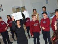Yakın Doğu Koleji Ortaokul Öğrencilerine Yaratıcı Drama Etkinliği Gerçekleştirildi…