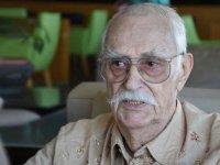 Yeşilçam'ın usta oyuncusu Eşref Kolçak 92 yaşında hayatını kaybetti