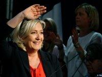 Fransa'da Le Pen'in partisi önde