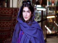 İran'da yabancı kadınlara tribün serbest
