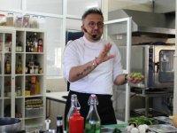 Ünlü Şef Ayvaz Akbacak LAÜ öğrencilerine deneyimlerini aktardı