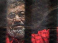 Mısır'ın eski cumhurbaşkanının cenazesi sabaha karşı Kahire'de defnedildi