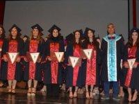 Sağlık Ordusuna Taze Kan: Yakın Doğu Üniversitesi Sağlık Bilimleri Fakültesi Yeni Mezunlarını Verdi