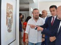 """""""Türkiye Resim ve Baskı Resim Sanatçıları Sergisi"""" Tarım ve Doğal Kaynaklar Bakanı Dursun Oğuz tarafından açıldı."""