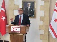 Akıncı, Başbakan Tatar ve  yardımcısı Özersay'ı kabul ediyor