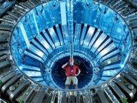 CERN Profesörü Özay Günsel Çocuk Üniversitesi'nde konferans verecek