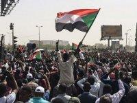 """Sudan'da darbe hükümetine karşı """"darbe girişimi"""""""
