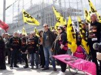 Fransa'yı sarsan işçi intiharları vakasında eski yöneticiler hapis cezasıyla karşı karşıya