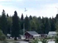 İsveç'te paraşütçüleri taşıyan uçak düştü: Dokuz kişi öldü