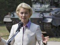 Avrupa'yı ilk kez bir kadın yönetecek: Von der Leyen Komisyon Başkanı seçildi