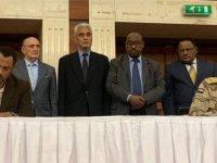 Sudan'da darbe: Ordu ile siviller geçici ortak yönetimde anlaştı