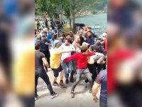 AKP'li Yeneroğlu'ndan turistlere linç girişimine tepki: Suçlu muamelesi görmeleri kabul edilemez